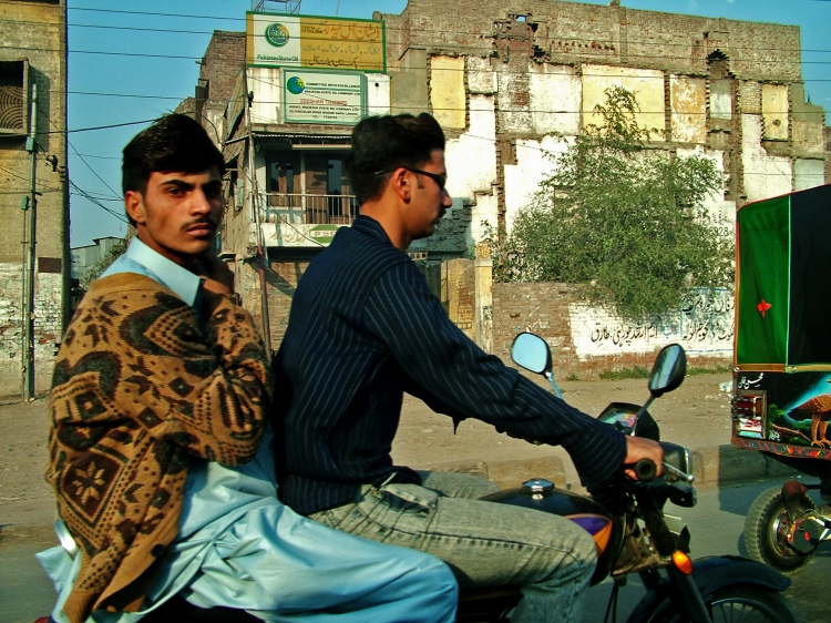 pakistan-lahore-motorcycle-5311370-o