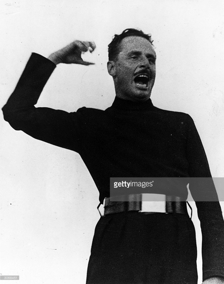 british-fascist-leader-oswald-mosley-addressing-a-rally-in-hyde-park-picture-id3068451
